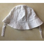 Texturized fabric girl hat